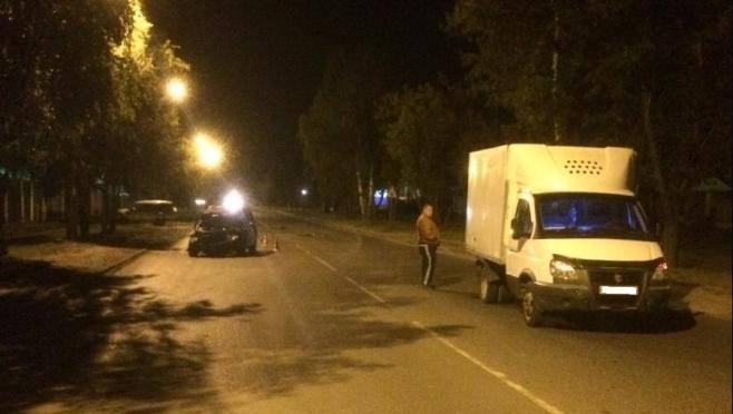 В Йошкар-Оле ночью столкнулись иномарка и «Газель»