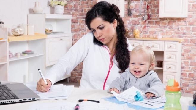 Департамент занятости помогает молодым мамам определиться с будущей профессией