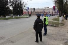 Полиция в майские праздники обеспечивает общественный порядок