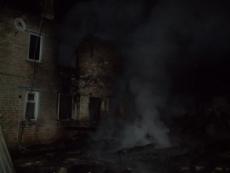 В Волжском районе этой ночью сгорел жилой дом