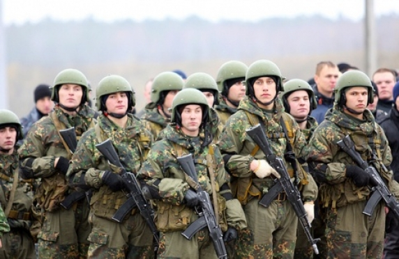 Владимир Путин подписал закон о возможности выбора между службой по призыву и по контракту