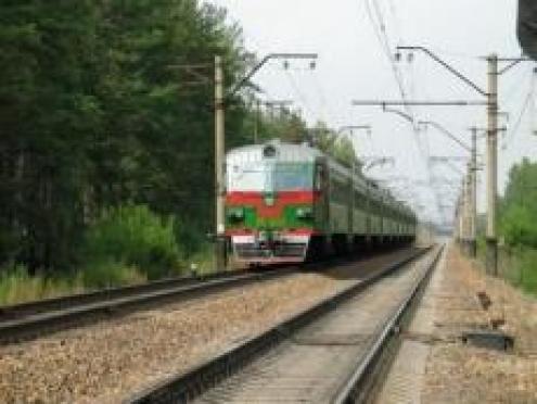В Марий Эл «семерка» не поделила с поездом железнодорожный переезд