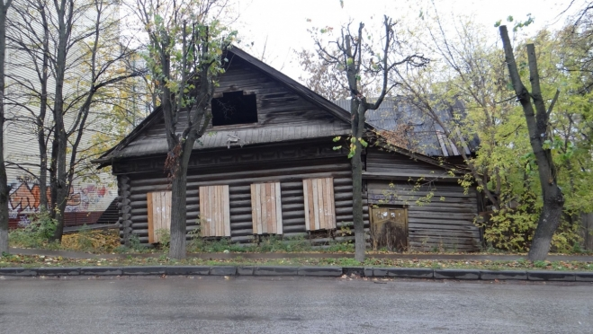 В Йошкар-Оле на Советской сгорел дом