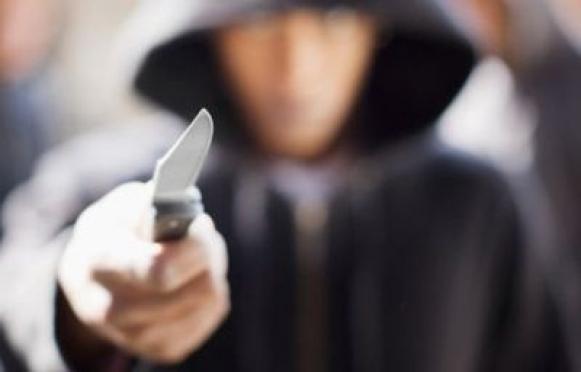В торговом центре Йошкар-Олы мужчина нанес четыре ножевых ранения в живот беременной женщине
