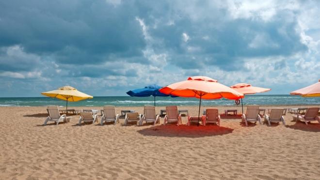 Отдыхающим запретили купаться в Чёрном море