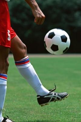 Первенство России по футболу среди любительских футбольных команд постер