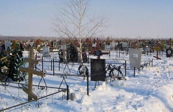 Пропавшая в поселке Советский женщина была найдена на кладбище