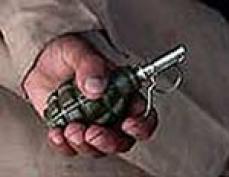 В столице Марий Эл мужчина угрожал взорвать гранату на территории средней школы №17