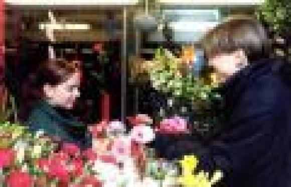 Цветочные фирмы столицы Марий Эл обещают умеренный рост цен на свою продукцию к Международному женскому дню
