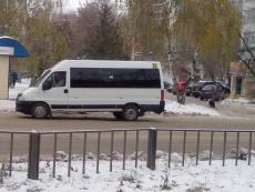 Водитель микроавтобуса сбил пожилую женщину и скрылся с места ДТП