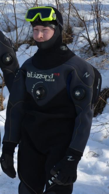 Благодаря рядовым йошкаролинцам, профессионалы спасли мужчину из ледяной воды