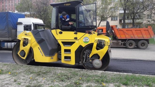 В Йошкар-Оле дорожная техника работает на улице Пушкина