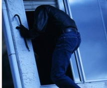 Подросток обокрал квартиру умершего соседа