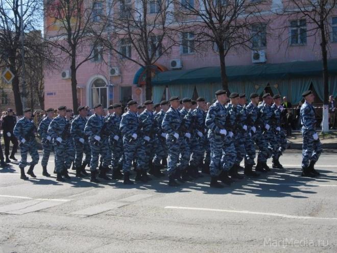 Войска йошкар-олинского территориального гарнизона шлифуют строевую технику