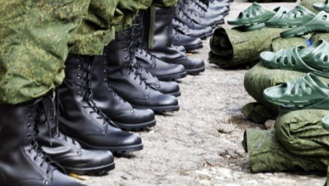 В России военный призыв отложили на один день