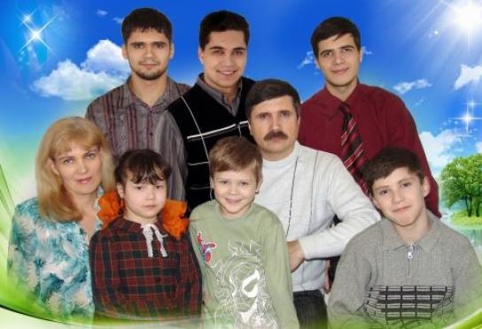 Владимир Путин наградил семью из Йошкар-Олы медалью ордена «Родительская слава»
