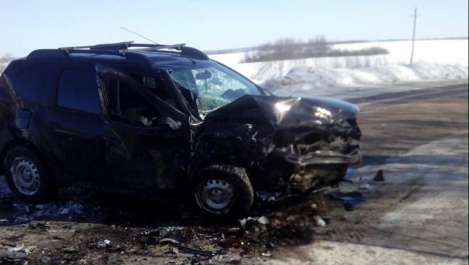 Пять человек пострадали при столкновении двух иномарок