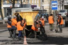 Ремонтная техника брошена на улицу Осипенко