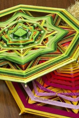 Плетение мандалы постер