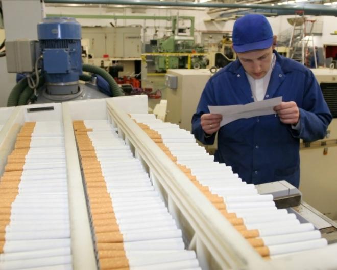 В бюджеты регионов России хотят перечислять часть доходов от продажи акцизов на табачную продукцию