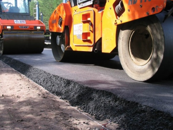 Дорожная техника переброшена на улицу Ломоносова