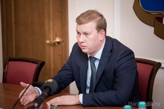 Мэр Йошкар-Олы выступил на внеочередной сессии Собрания депутатов