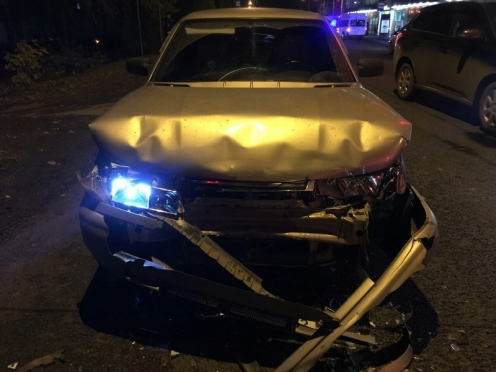 Пятничным вечером в 9-м микрорайоне столкнулись три машины