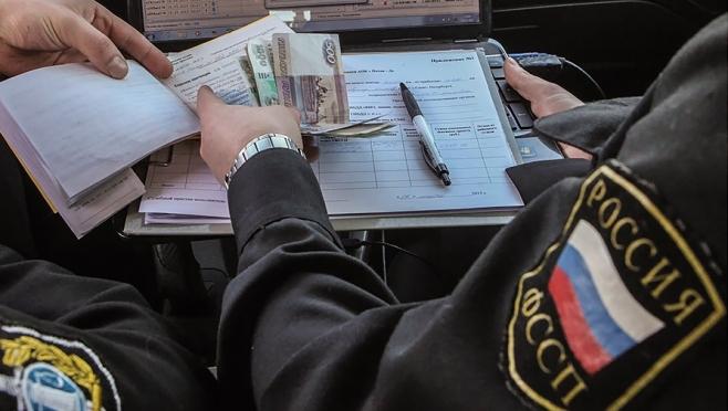 Пенсионерка, расплатившись с долгами, отправилась к родственникам за границу