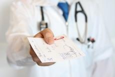 Невролога и хирурга исключили из медсправки для водителей