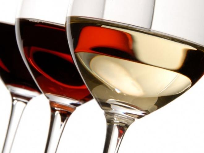 В правительстве хотят снять запрет на торговлю спиртным через интернет
