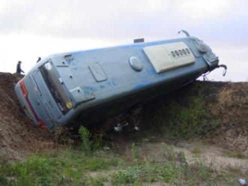 В Марий Эл перевернулся рейсовый автобус, следовавший по маршруту Чебоксары - Казань