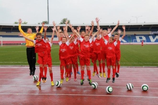 Юные футболисты из Йошкар-Олы стартовали на национальном турнире в Москве с трех побед