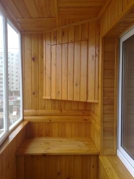 Обшивка балкона короткими размерами вагонки