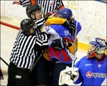 «Ариада» продолжает борьбу за попадание в зону плей-офф чемпионата ВХЛ