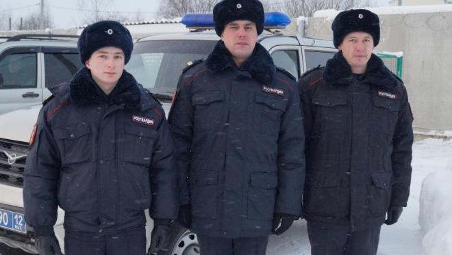 В Йошкар-Оле наряд Росгвардии задержал мужчину в кровавой одежде 18+