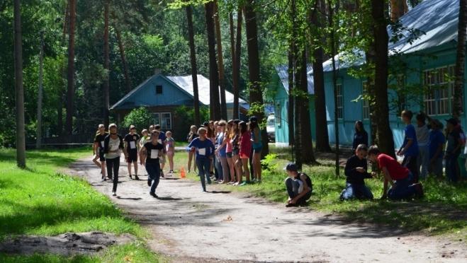 Почти 16 тысяч мальчишек и девчонок отдохнут летом в детских лагерях