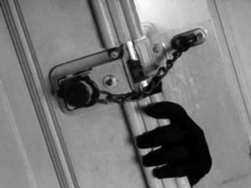 В Волжском районе подростки обокрали семью инвалидов