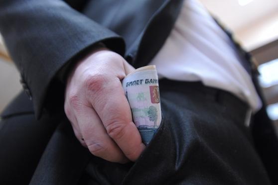 Денежное довольствие парламентариев предлагают приравнять к российским реалиям