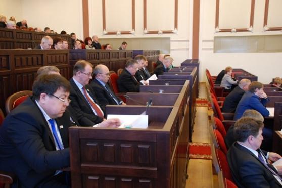 Депутаты Госсобрания внесли коррективы в республиканские законы
