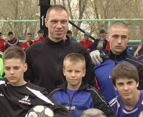 Александр Филимонов дал мастер-класс юным футболистам из Челябинска