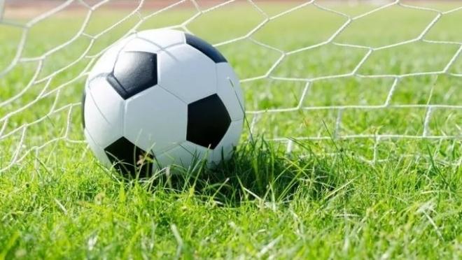 Лидер чемпионата республики по футболу победил, не выходя на поле
