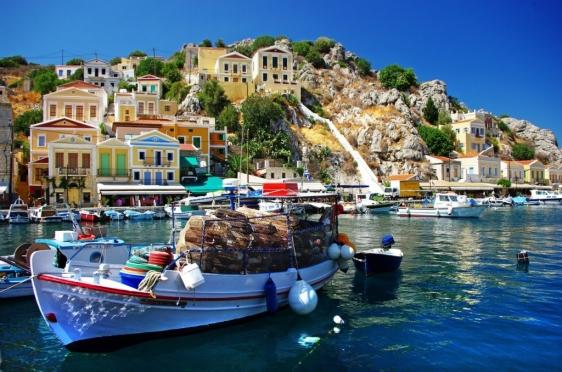 Майский отдых россиян в Греции оказался под угрозой срыва