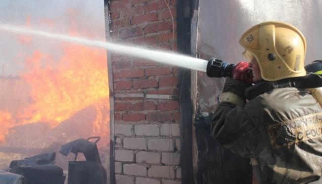 Пожарные Йошкар-Олы были брошены на ликвидацию пожара в посёлке Советский