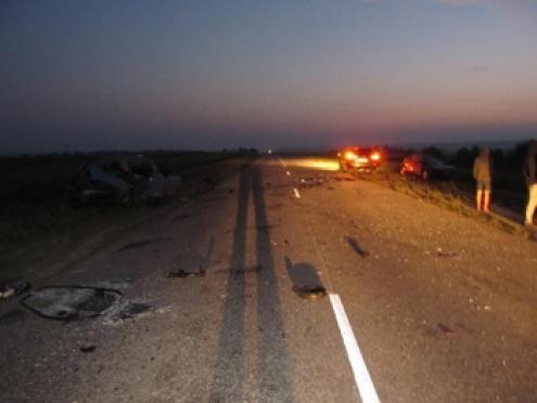 Два человека погибли и один травмирован в результате ДТП в Марий Эл