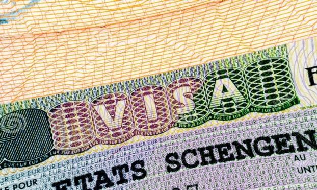 Россияне больше не смогут оформить шенгенские визы заочно