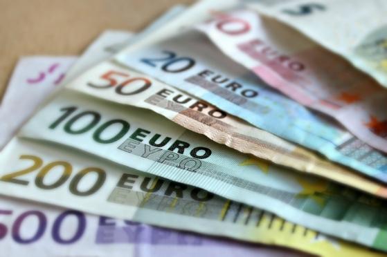 Евро не хватило 20 копеек, чтобы преодолеть отметку 80 рублей