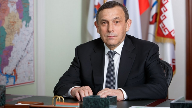 Глава Марий Эл Александр Евстифеев отмечает 60-летний юбилей