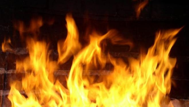 В результате пожара в посёлке Суслонгер повреждены крыши гаражей