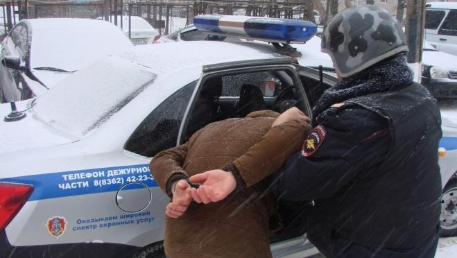 В поселке Сернур грабитель задержан на месте преступления
