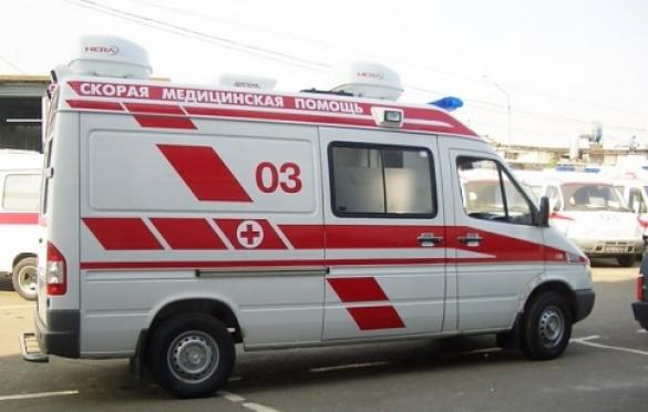 В Йошкар-Оле легковая машина врезалась в столб и загорелась